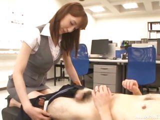 смотреть порно сперма не влазит в рот