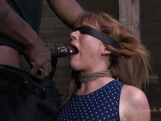 жесткий трах в рот мамаше