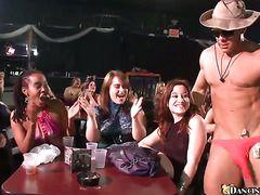 порно девушки кончают в рот скачать