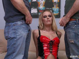 Секс втроем два мужика