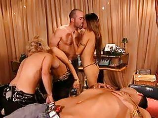 Карлики групповуха порно