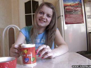 бесплатное порно видео маленькая грудь
