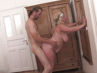 Порно сквиртинг от зрелых