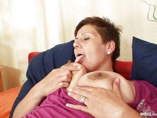 Порно сиськи натуральные зрелые дамы