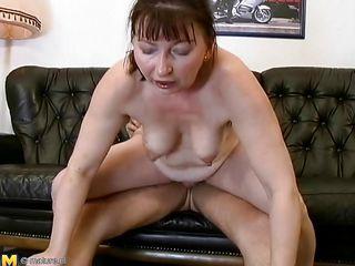 Порно подборка тошнит