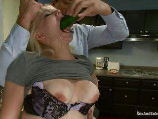 Дрочила и увидела парня порно