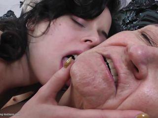 Смотреть порно волосатых старушек