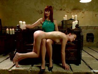 Порно анальный фистинг лесбиянок