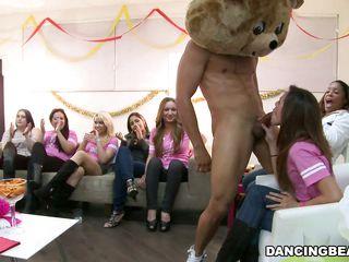 Порно видео групповуха зрелые женщины