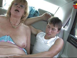 Порно куни зрелой госпоже