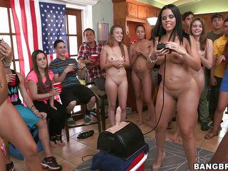 Порно видео худеньких красивых девушек