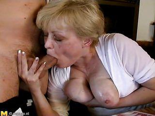 Порно русское муж жена сосет