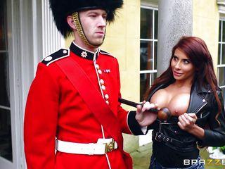Порно огромная госпожа
