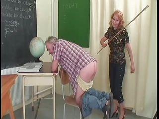 Порно жену ебут на работе