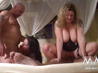 Русский домашний секс втроем