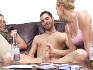 Секс групповуха брюнетки