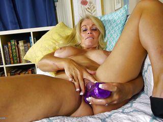 смотреть порно с волосатыми зрелыми женщинами бесплатно