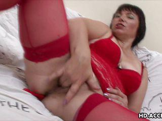 Порно жена мастурбирует