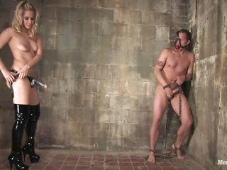 Госпожа ебеть раба порно