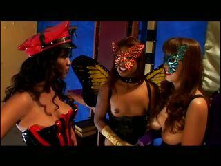 Смотреть порно лесби групповуха
