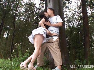 Смотреть порно дрочат в лесу