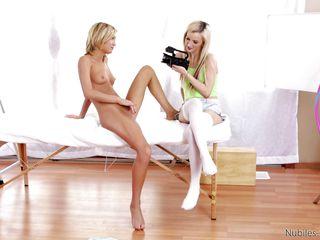 Анальная блондинка и негры