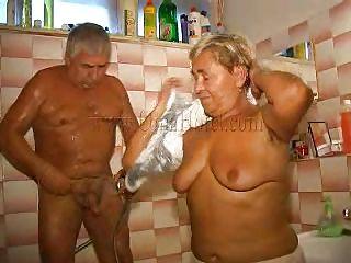 Любительское порно в душе