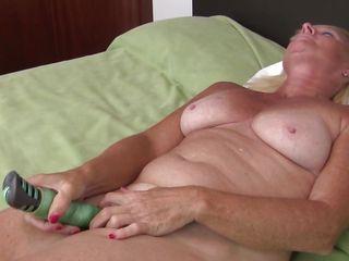 Порно двойное проникновение секс игрушки