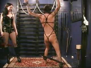 Хуй в жопе госпоже жистока порно