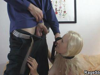 Грубый секс со связыванием