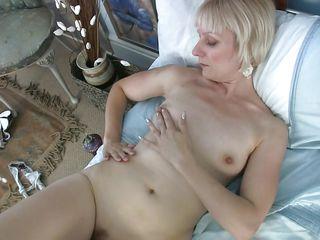 Порно негр в пизде у белой