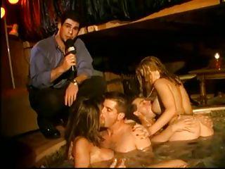 Бесплатное порно свингеры домашнее