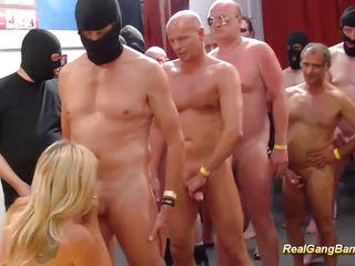 Групповое нудистов видео