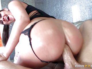 Шикарные дамы с большими попами порно