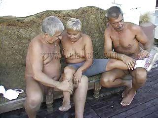 Нарезка жены глотают порно