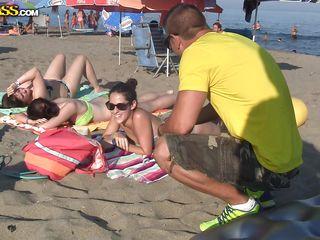 Подсмотренный секс на пляже