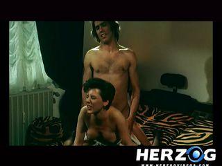 Порно видео онлайн секс втроем