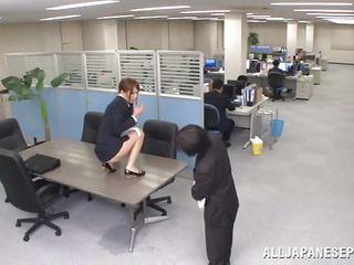 Порно подглядывания на работе