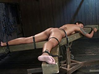 Бондаж пытки видео