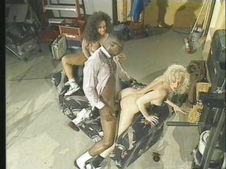 Смотреть порно попки анал