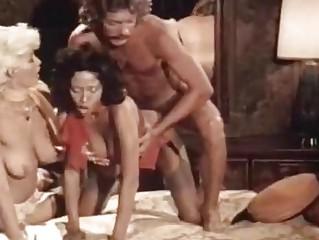 Порно видео оргия молодых