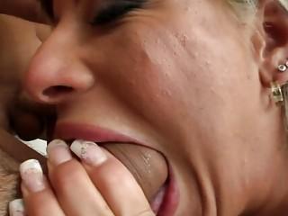 Порно онлайн похотливые домохозяйки