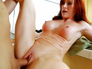 Смотреть порно грудастые домохозяйки