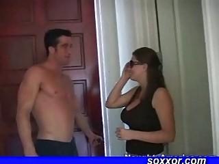 Секс домохозяйка трахнул