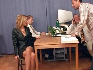 Групповой секс видео двойное проникновение