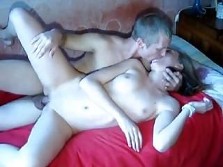 Шлепать девушку во время секса