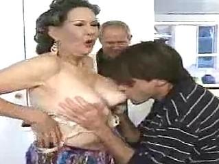 Порно зрелых домохозяек смотреть онлайн