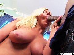 Большая жопа на лице порно