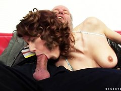 Порно старых дедов с молодыми
