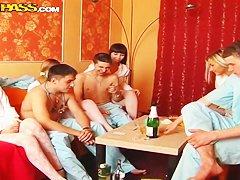 Секс с русской пожилой соседкой